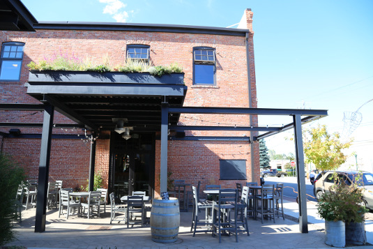 Image of the patio at Fat Pig in Sandpoint, Idaho