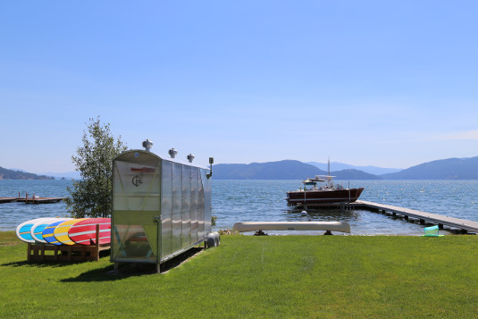 Image of a boat and a dock on Lake Pend Oreille in Northern Idaho