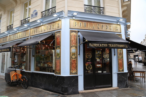 The facade of the bakery Du Pain et des Idées in Paris