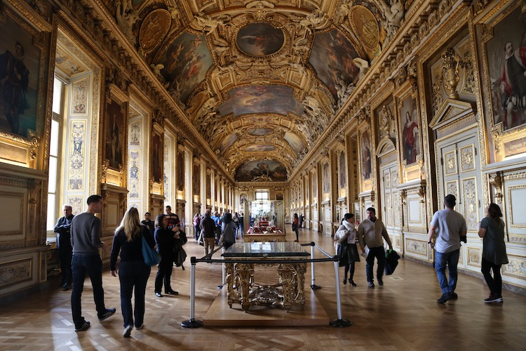 Image of the Apollo Gallery at the Louvre in Paris