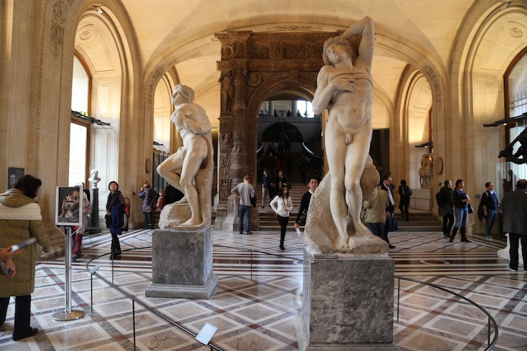 Image of Michelangelo's slave sculptures in the Louvre in Paris