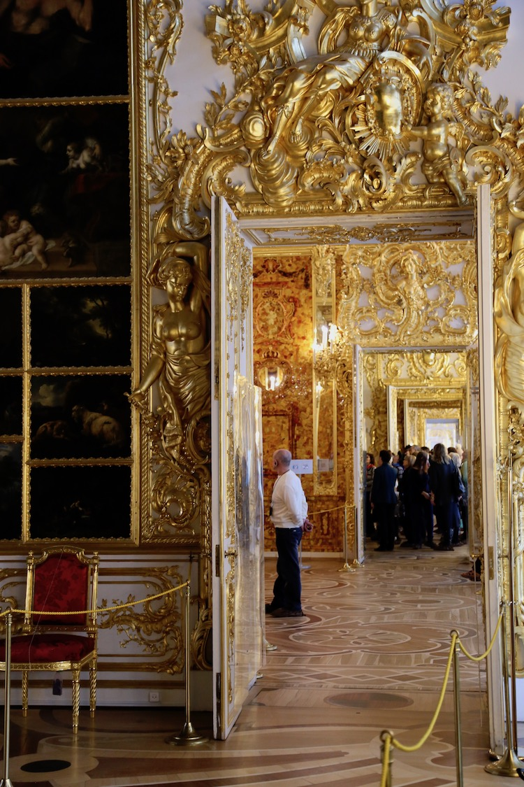 Image of the doorway to the Amber Room at Catherine Palace